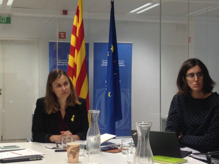 """Meritxell Serret, vertegenwoordiger van de Catalaanse regering bij de Europese Unie, roept de EU op tot actie: """"We kunnen niemand zeggen wat ze moeten doen, maar we vragen aan alle politieke actoren, ook de Europese instellingen, om ons te helpen""""."""