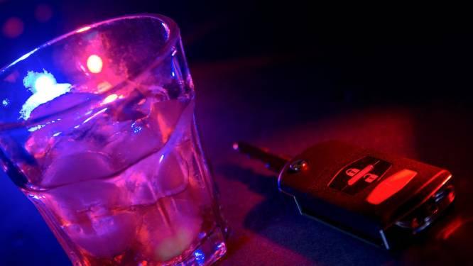 Alcoholslot voor zestiger die blijft rijden en drinken