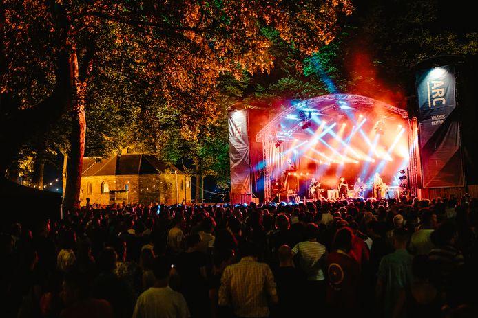 Typisch Nijmeegse cultuur: het Valkhof Festival, onderdeel van de Vierdaagsefeesten, geprogrammeerd door poppodium Doornroosje.