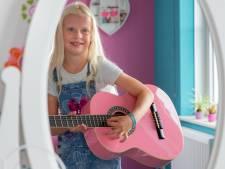 Veerle (7) uit Huissen: 'Als ik boos ben, pak ik mijn gitaar'
