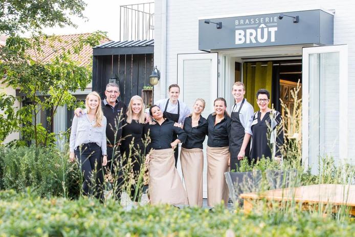 Het personeel van Brasserie Brût is klaar voor de opening op zaterdag 22 oktober.