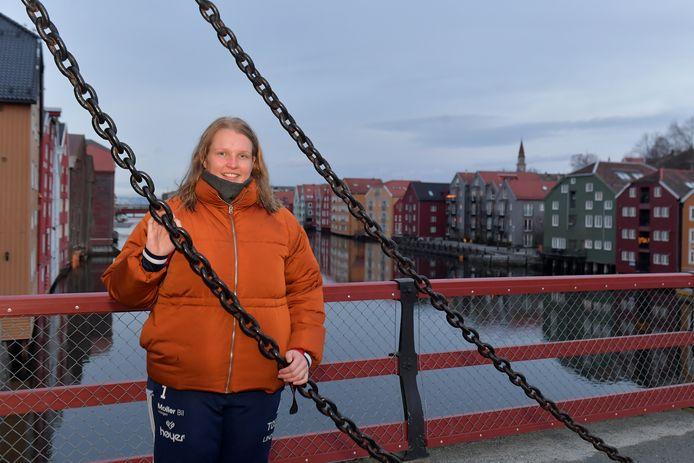 Annick Lipman in het karakteristieke hart van Trondheim.