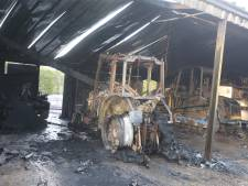 Schade in schuur in Biezenmortel na brand die ontstaat in tractor