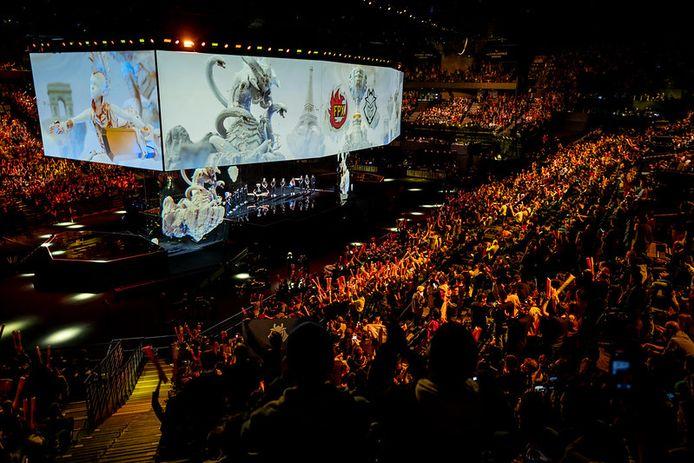 In 2019 vond de finale van het WK League of Legends plaats in Parijs, in een afgeladen arena. Dit jaar is dat door het coronavirus onmogelijk.