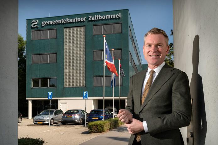 Nederland,  Zaltbommel, vertrekkend burgemeeester Peter Rehwinkel van de gemeente Zaltbommel.