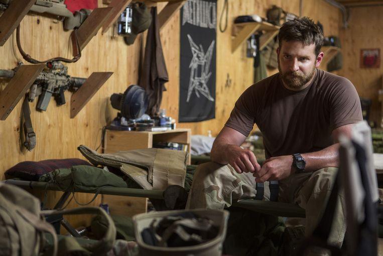 Chris Kyle, gespeeld door Bradley Cooper, doodde meer vijanden dan welke Amerikaanse scherpschutter ooit. Het vorige record, in de Vietnamoorlog, stond op 109. Beeld ap