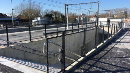 Voetgangerstunnel onder spoorweg geopend