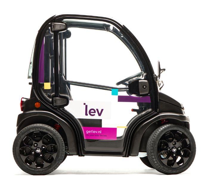 De Lev is een elektrisch deelautootje dat je vanaf vandaag in Rotterdam kan huren.
