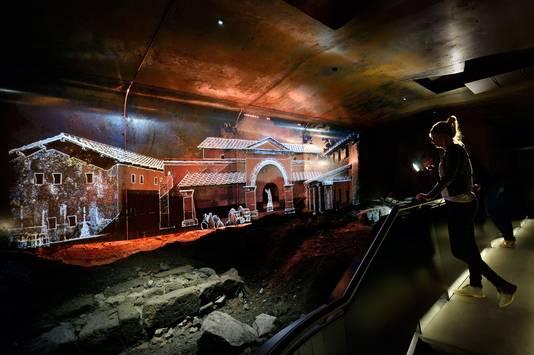 In DOMunder bezoekers met behulp van slimme zaklantaarns 2000 jaar Utrechtse geschiedenis ontdekken.