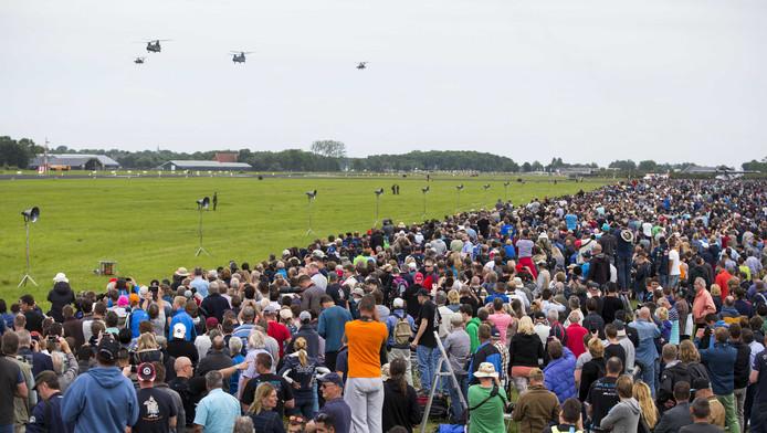 De Luchtmachtdagen die vrijdag en zaterdag werden gehouden op de vliegbasis Leeuwarden hebben een recordaantal bezoekers getrokken.