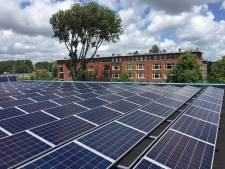 Negentig daken vol zonnepanelen voor de buurt