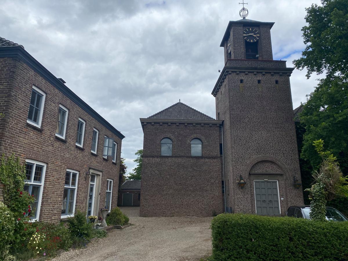 Voor de Sint Bavokerk in Angeren is een verbouwingsplan bedacht dat in veertien appartementen voor senioren moet resulteren.
