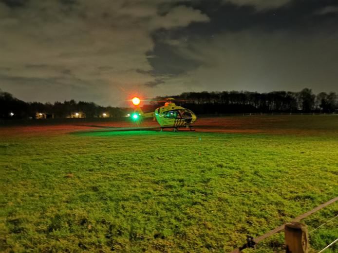 Een traumahelikopter landt in Wageningen.