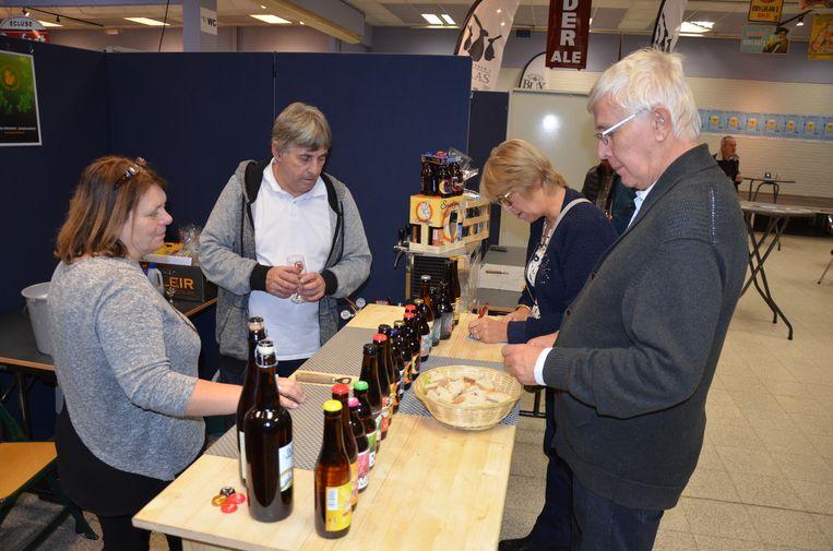 Bezoekers konden zich laven aan een ruime selectie van lokale bieren.