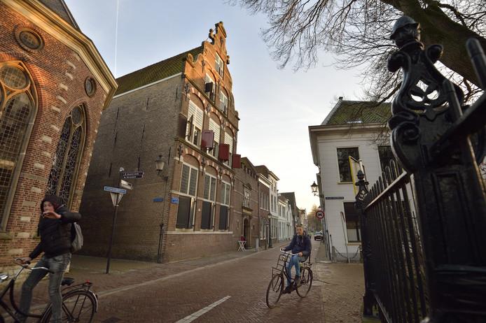 Het voormalige weeshuis.