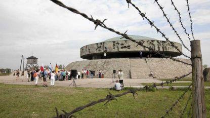 Jongeman laat broek afzakken in concentratiekamp in Polen