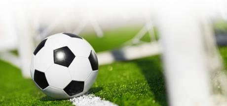 Maarheeze doet rode lantaarn over aan FCV Venlo; SV Budel stijgt naar tweede plaats