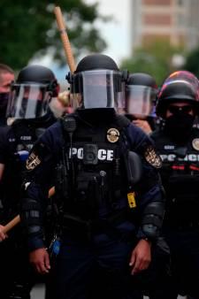 Deux policiers blessés par balle lors de manifestations aux États-Unis