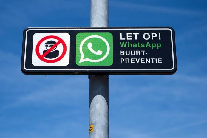 Een bordje dat waarschuwt voor BuurtWhatsApp.