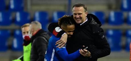 Genk écarte Mouscron et revient à un point du Club Bruges