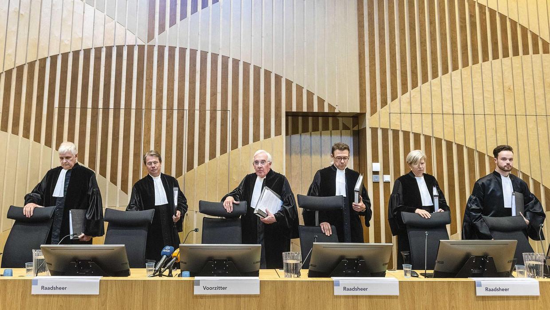 Leden van de Hoge Raad voorafgaand aan de uitspraak in het monsterproces Passage