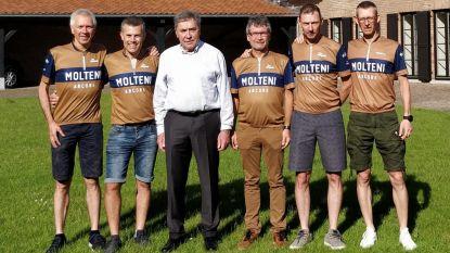 Vijf vrienden die eerste Tour van Eddy Merckx gaan fietsen krijgen gelukwensen van Kannibaal