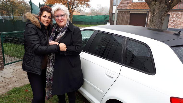 Anny De Windt (r) van Bijeva heeft zich het lot van Rajae aangetrokken.