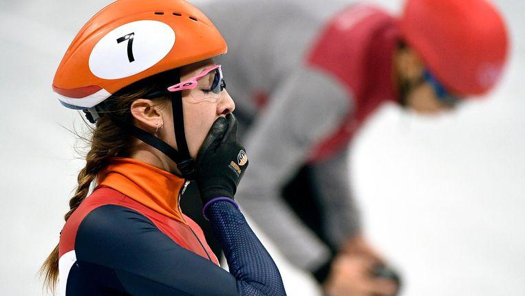 Suzanne Schulting is ontgoocheld na haar val op de 500 meter - shorttrack. Beeld Klaas Jan van der Weij / de Volkskrant