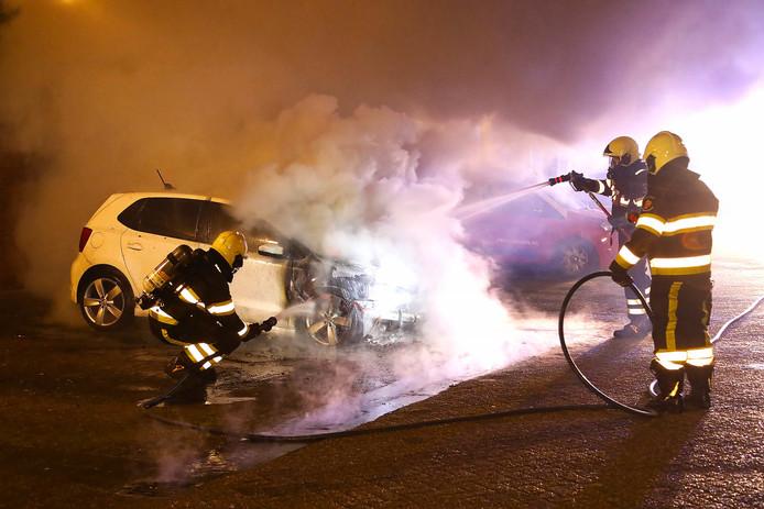 Autobrand aan Schapedreef in Oss.