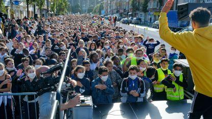 """1.000 schoolkinderen dansen voor propere lucht op Keizer Karellaan: """"Te veel auto's in deze buurt"""""""