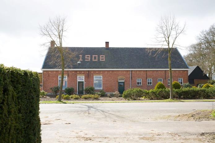 Voor deze boerderij aan de Achtmaalseweg in Zundert is een herontwikkeling bedacht die landelijk in de prijzen viel.