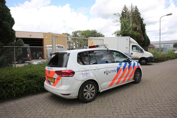Loods met grondstoffen voor synthetische drugs in Rucphen.