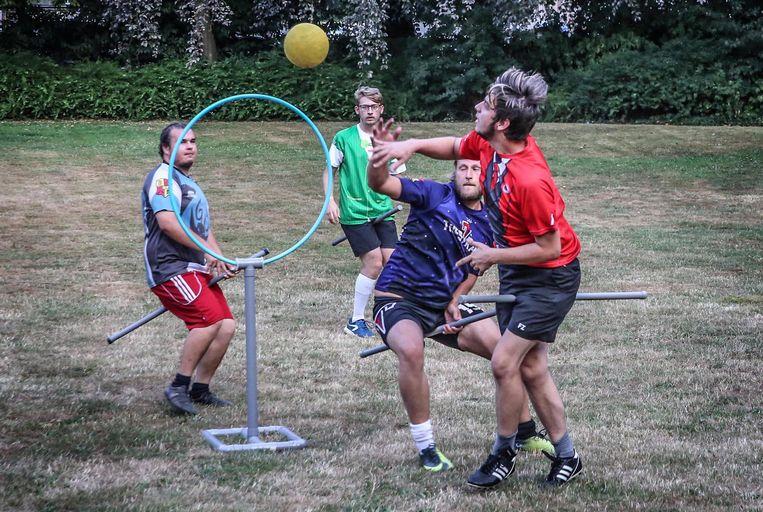 b56efb77c8be Zwerkbal spelen zoals Harry Potter