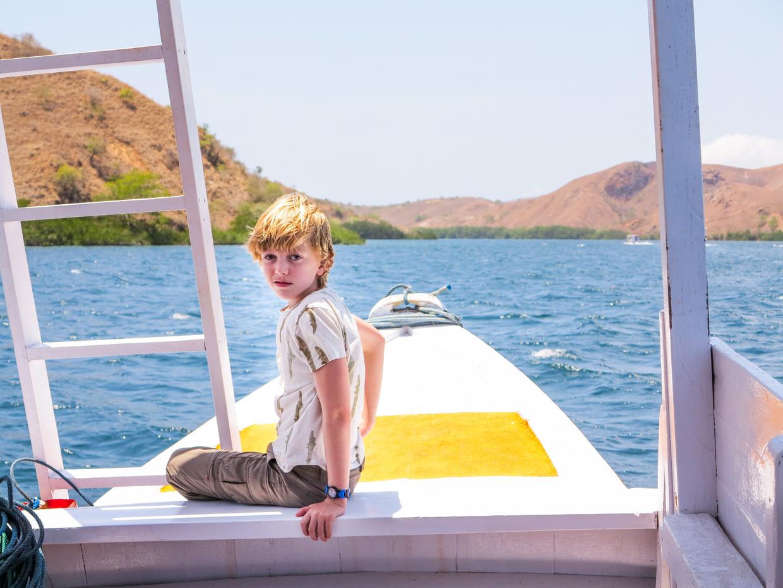 Met Abel aan boord op weg naar zijn favoriete dier: de komodovaraan.