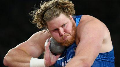 """Het harde leven van deze 'kolos van de atletiek', die zes keer per dag eet: """"Ik moet opletten dat ik niet afval"""""""