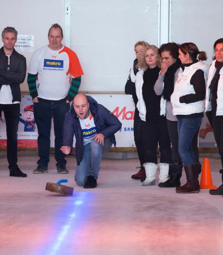 IJsbaan in Duiven trekt elke dag 3.000 bezoekers: 'Grootste tijdelijke baan in Gelderland'