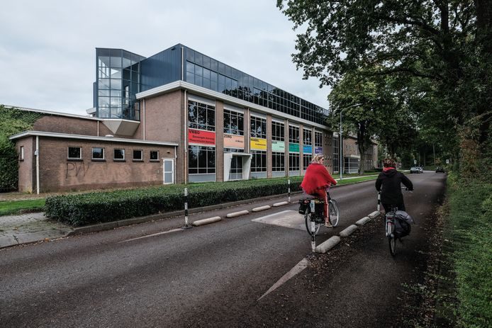 De oude technische school aan het Vestersbos in Zevenaar. Foto : Jan Ruland van den Brink