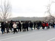 Escalatie gevechten in Syrië: Turkije laat vluchtelingen door die naar Europa willen