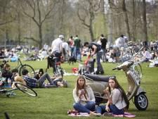 Tegenstanders zomertijd bieden petitie aan Annie Schreijer-Pierik