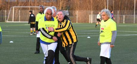 1000 euro van walking footballspelers in Tiel voor de Molukken