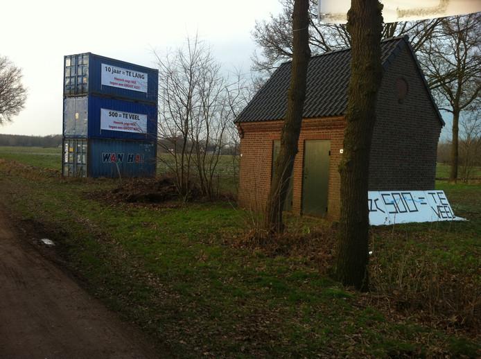 De containers in Heesch.