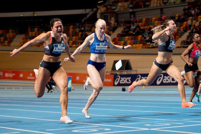 Marije van Hunenstijn tijdens de finale van de 60 meter sprint op het NK atletiek in Apeldoorn.