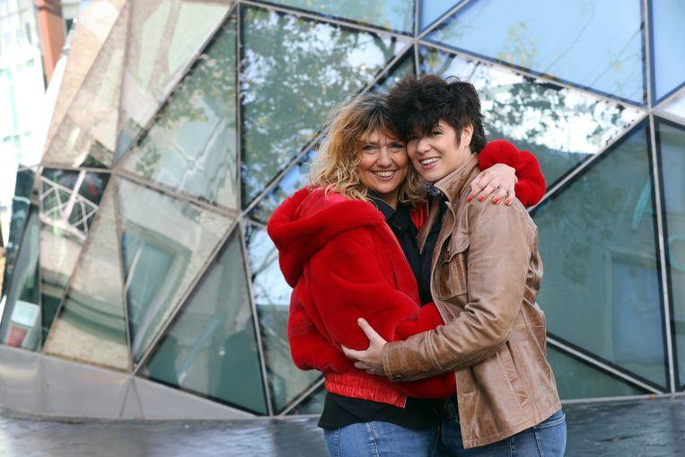 Truus Druyts met haar nieuwe vriendin, de Nederlandse schrijfster Christine Pannebakker.