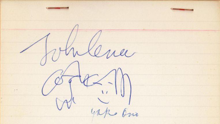 Het gesigneerde zelfportret van John Lennon Beeld antiquariaat Fokas Holthuis