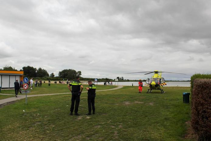 Een traumahelikopter landde aan de Reeuwijkse Plassen voor het incident.