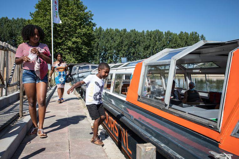 De boot naar de Floriade Beeld Dingena Mol