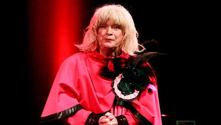 Margreet Dolman tijdens haar jubileumvoorstelling in het DeLaMar Theater in 2012 Beeld anp