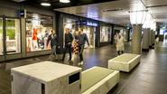 Eftelingmuziek om hangjongeren in Centraal Station Amsterdam weg te jagen