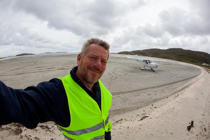 Geland op vliegveld Barra, Schotland, maar wegwezen voor de vloed opkomt.
