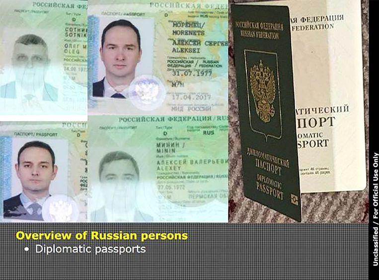 De diplomatieke paspoorten van vier van de verdachten die door Nederland werden uitgezet.  Beeld AFP
